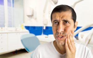 man dental pain